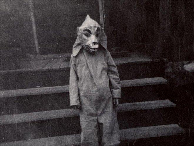 Жуткие хэллоуинские костюмы из прошлого