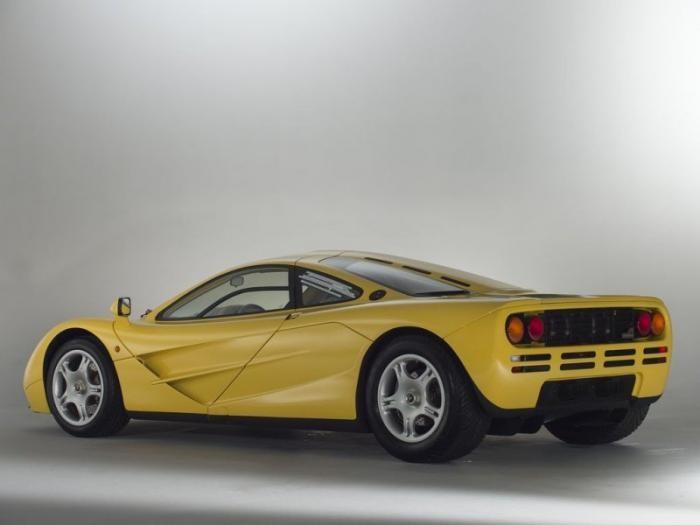 Новенький McLaren F1 в заводской упаковке на продажу
