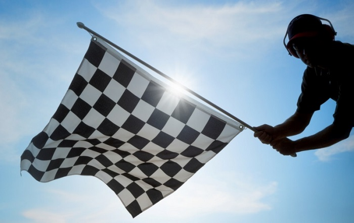 Почему знак такси выполнен в виде шашечек