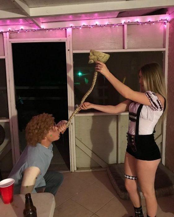 Ритуал питья из пивной воронки