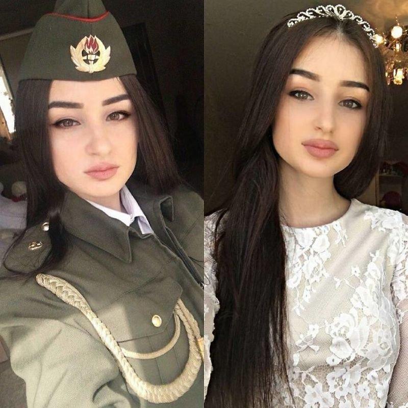 Женщины в униформе и без
