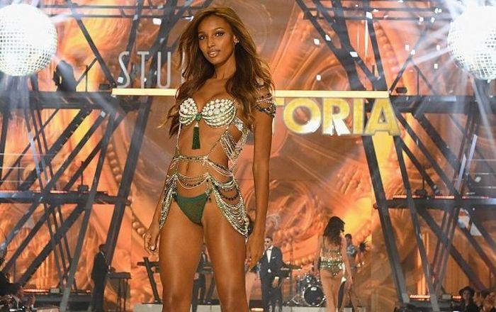 Самые высокооплачиваемые модели Victoria's Secret