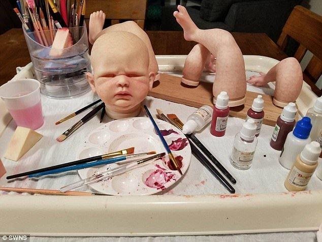 Американка создаёт суперреалистичных кукол-младенцев