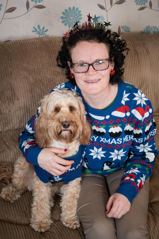 Британка купила 68 рождественских подарков для своей собаки