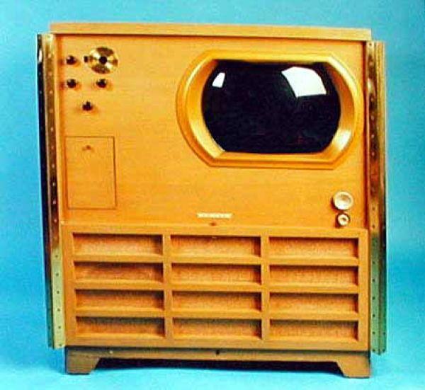 Самые примечательные устройства в истории эволюции телевизоров