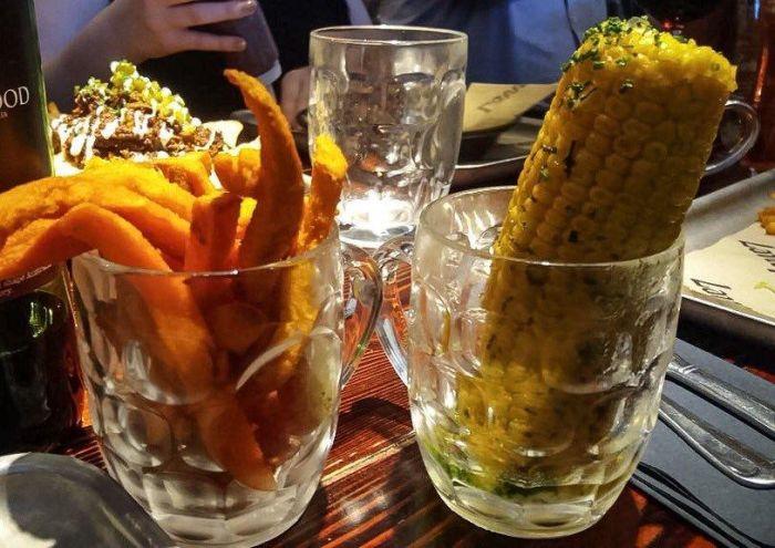 Самые необычные варианты подачи блюд в кафе и ресторанах