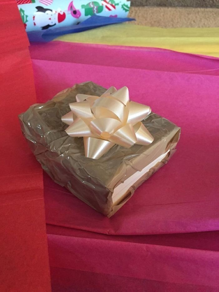 20 гениальных троллей вручили рождественские подарки своим близким