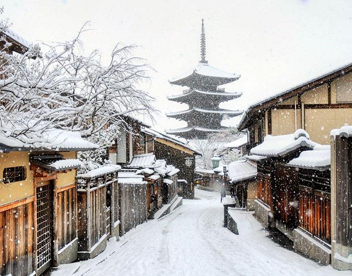 Волшебные фото заснеженного Киото