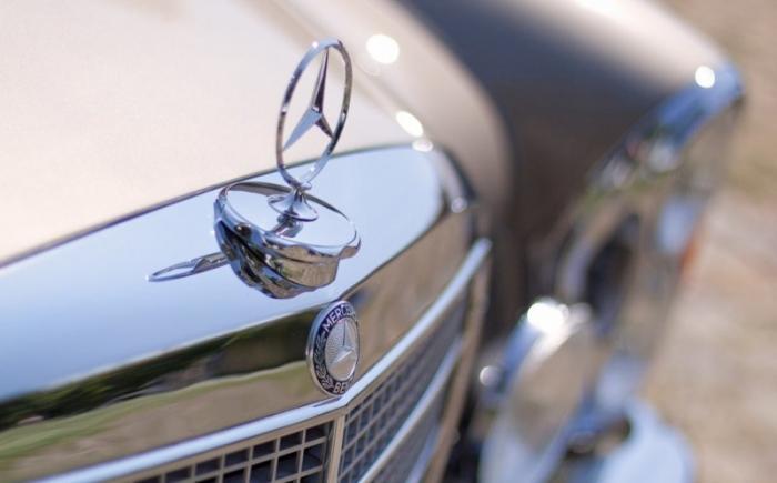 Классический Mercedes-Benz с современным сердцем