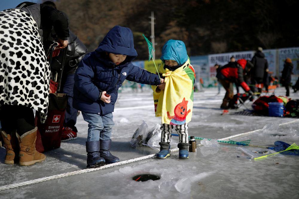 Конкурс по ловле форели в Южной Корее