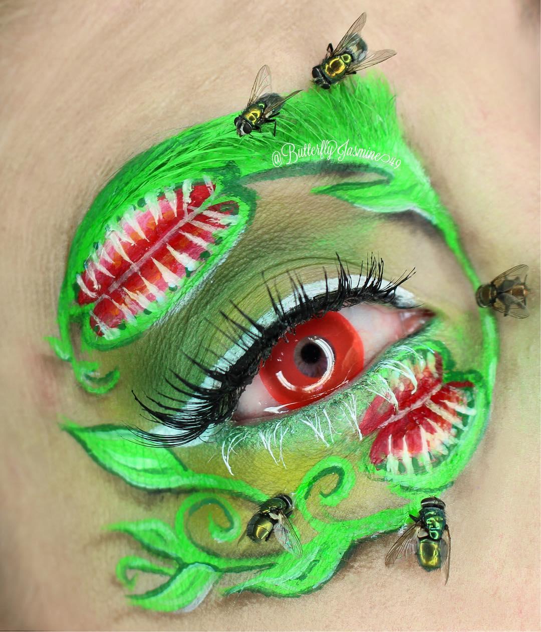 Экстремальный макияж с насекомыми