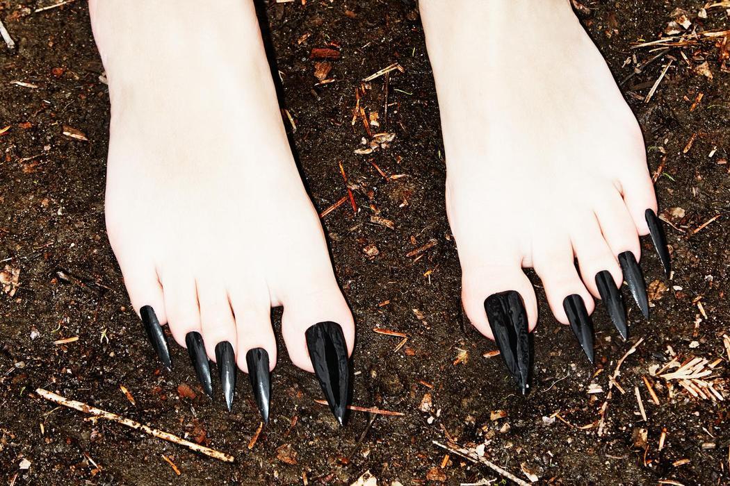 Умопомрачительные акриловые ногти на ногах