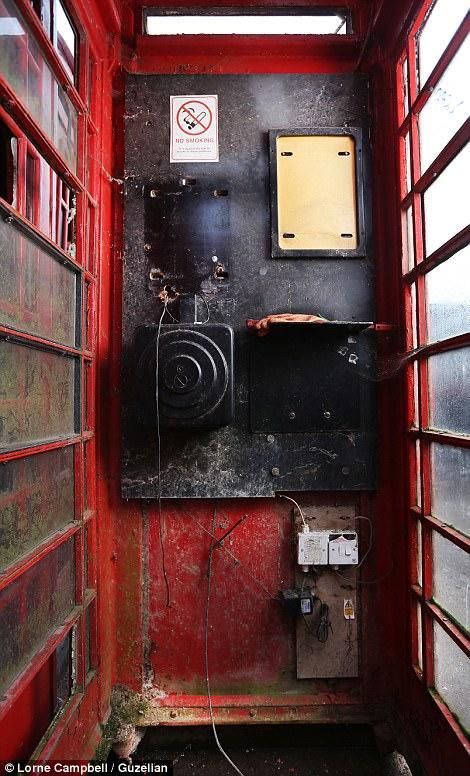 Как реставрируют знаменитые красные телефонные будки в Англии