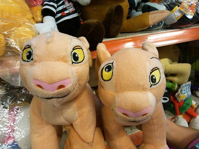 Странные и жуткие игрушки, которые лучше не показывать детям