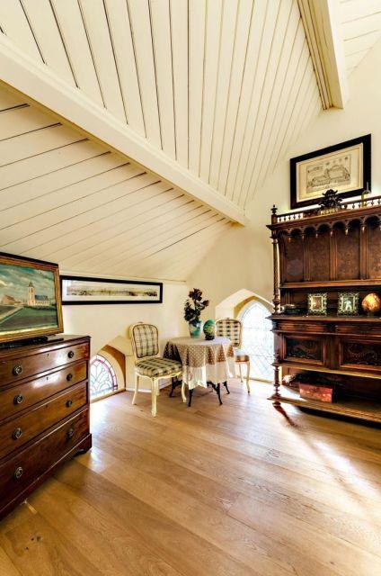 В Великобритании старинную церковь превратили в роскошный особняк