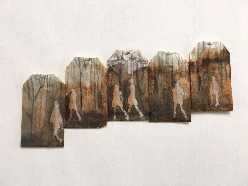 Миниатюрные картины на чайных пакетиках