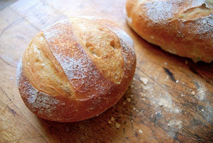 Как подольше сохранить хлеб свежим