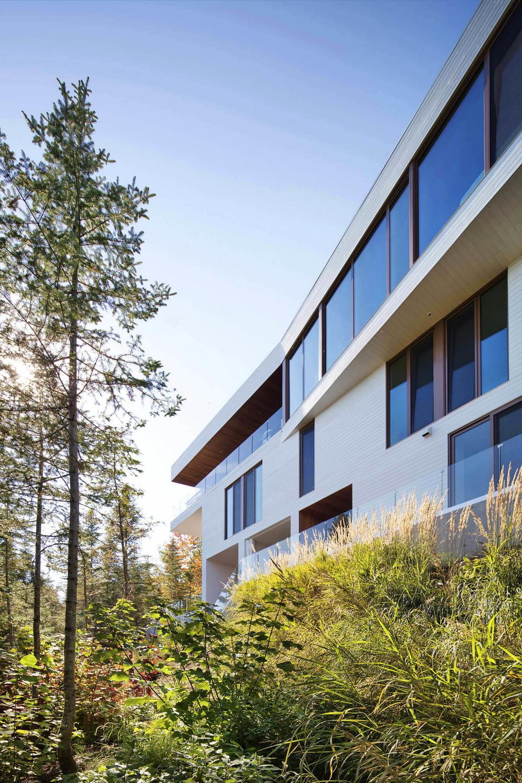 Дом на склоне горы в Канаде