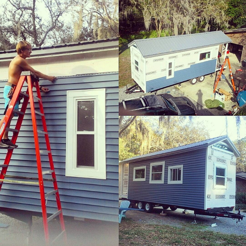 Студент не захотел жить в общежитии и построил домик