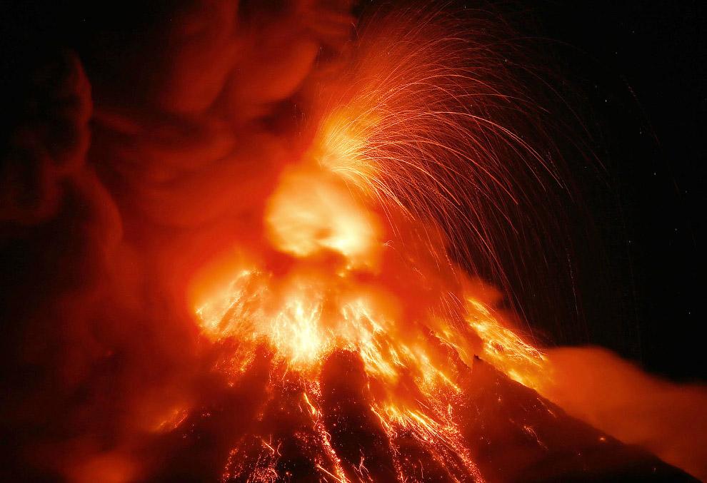 На Филиппинах проснулся вулкан Майон