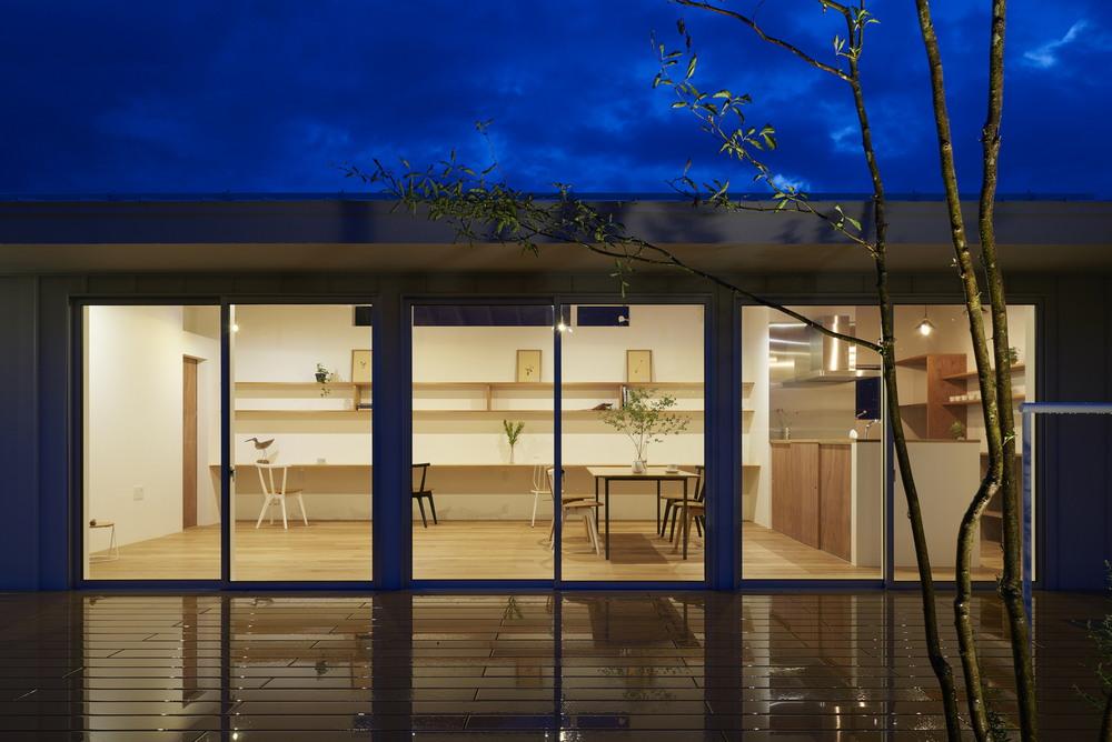 Простой одноэтажный дом в Нагано