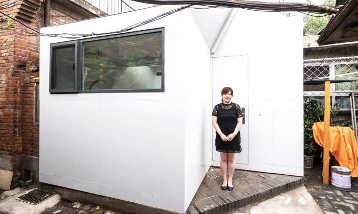 Дом с верандой, на сборку которого уходит несколько часов