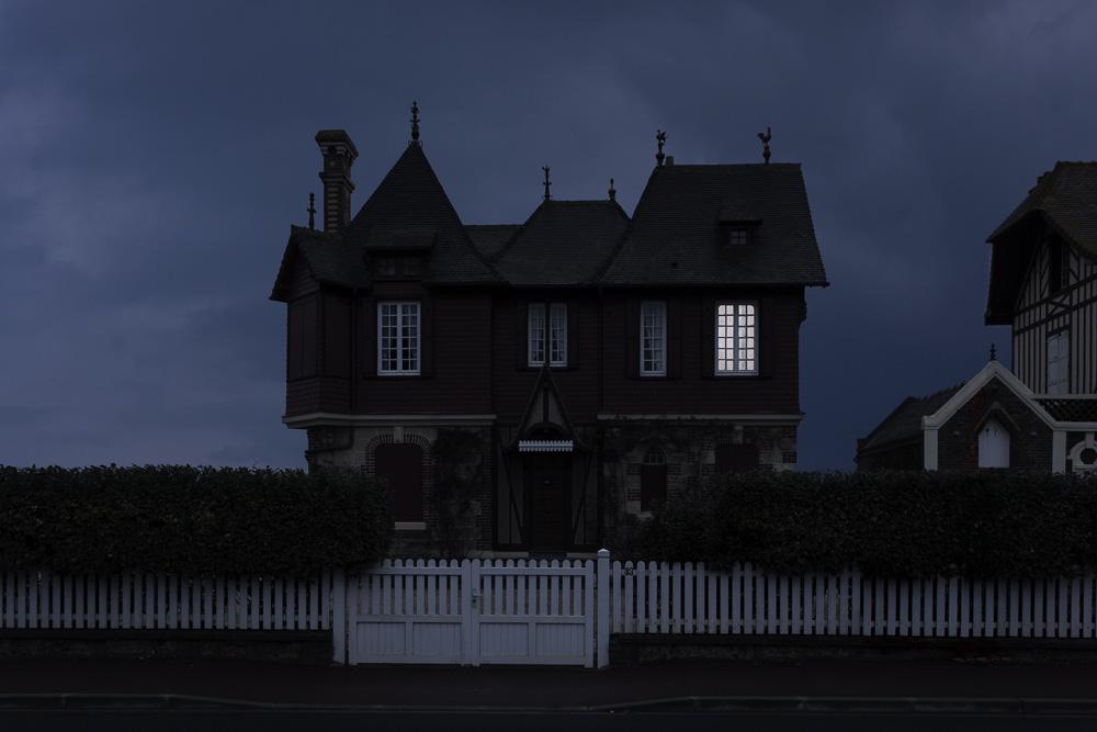 Когда погашены огни: фотопроект Жюльена Мове