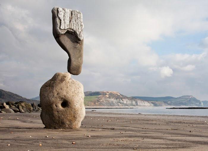 Скульптури, які кидають виклик закону всесвітнього тяжіння