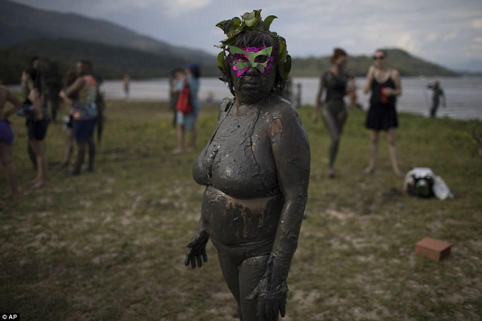 Грязевая вечеринка в Бразилии 2018