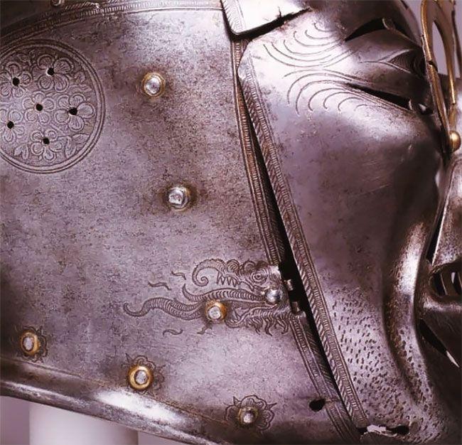Рогатый шлем короля Генриха VIII с очками и щетиной