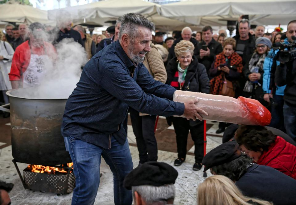 Фестиваль пениса в Греции