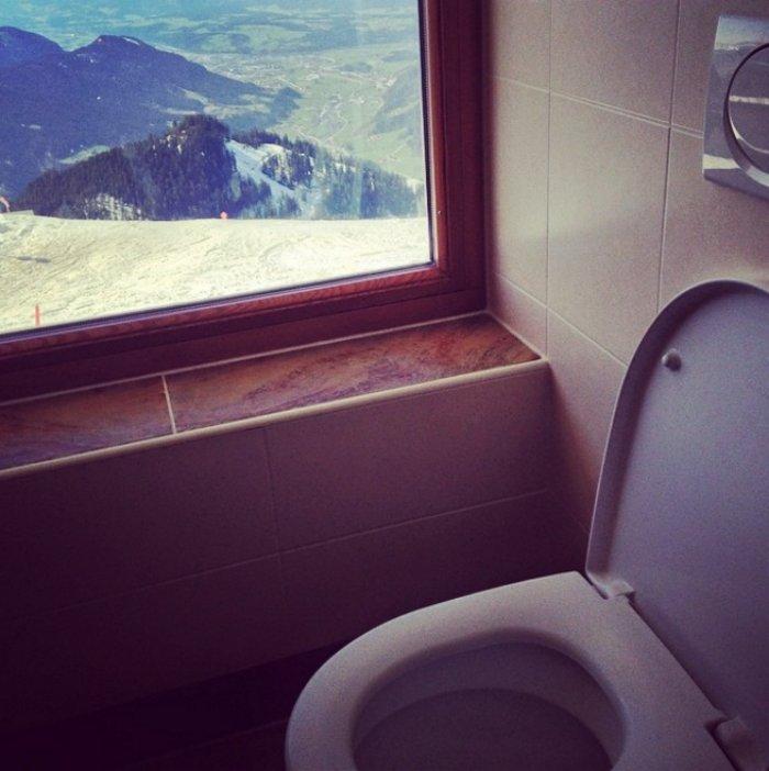 Туалеты с роскошными видами в разных странах мира