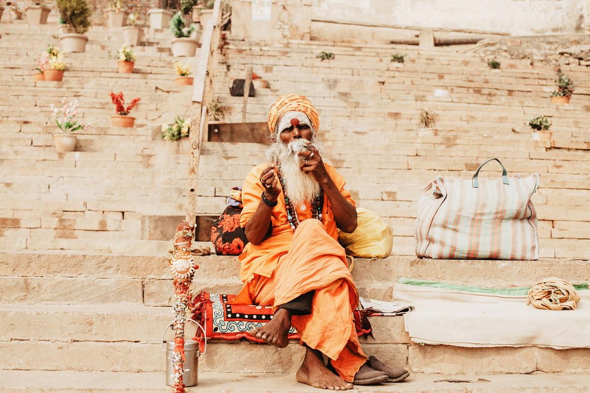 Индийский город Варанаси, куда приезжают, чтобы умереть