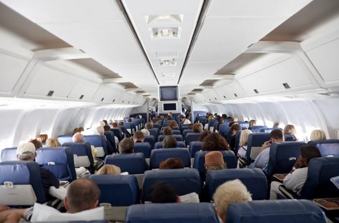 Зачем нужны треугольники на борту самолёта