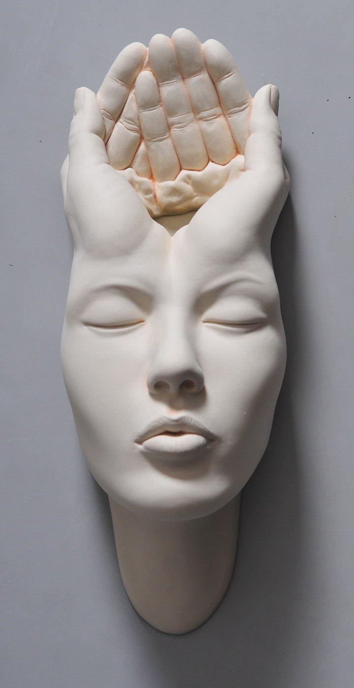 Необычные скульптуры лиц от Джонсона Цанга