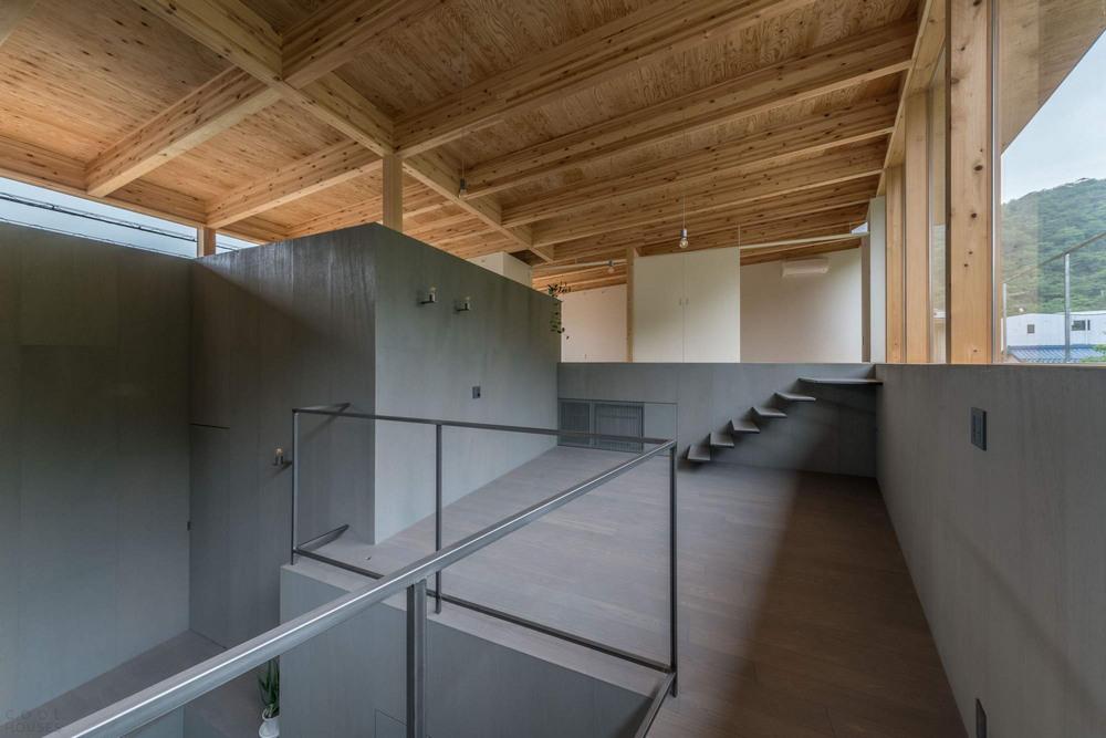 Дом у подножия горы в Японии