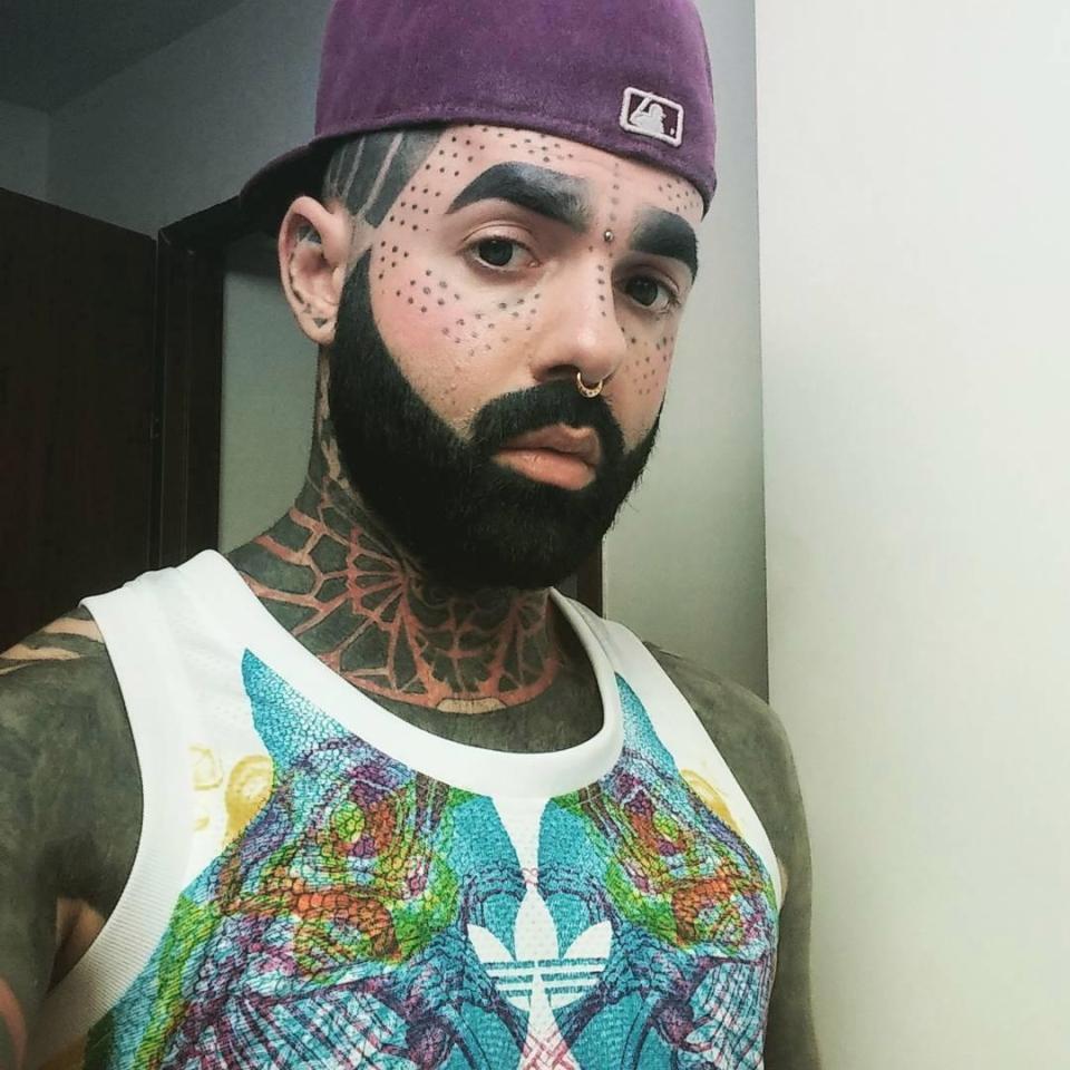 Британец покрыл татуировками 90% тела, но это еще не предел