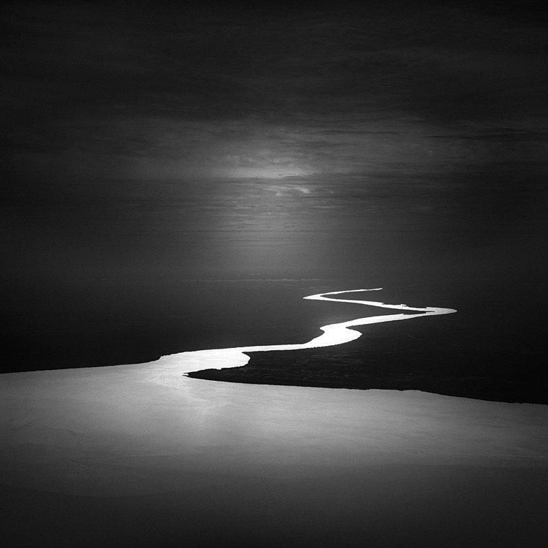 Мрачная красота мира от мастера чёрно-белой фотографии
