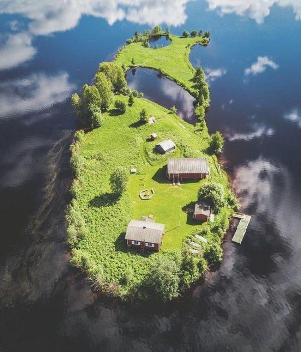 Сказочный островок на реке Котисаари