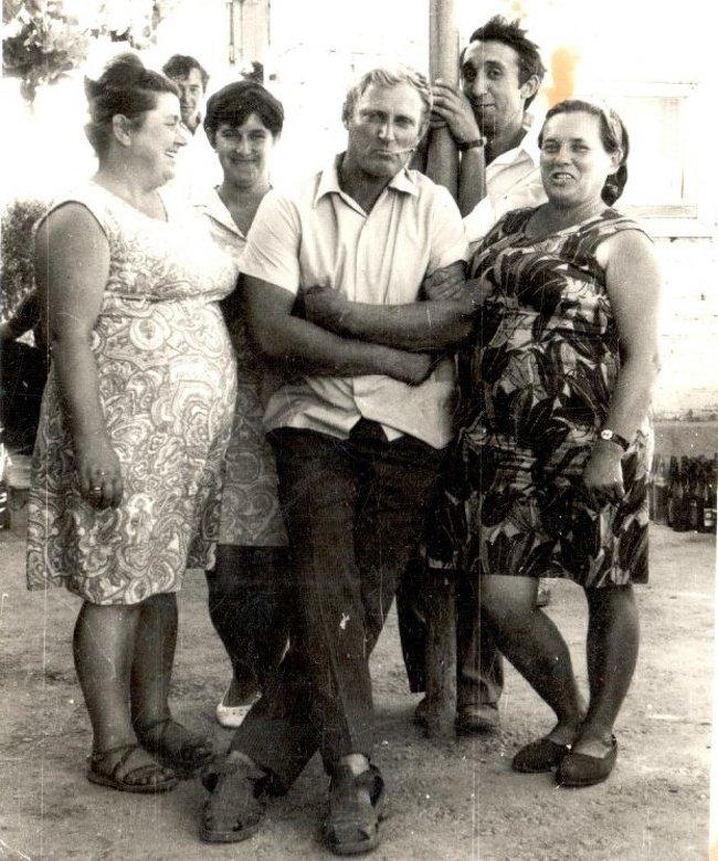 Бабушки и дедушки в молодости отрывались покруче нас