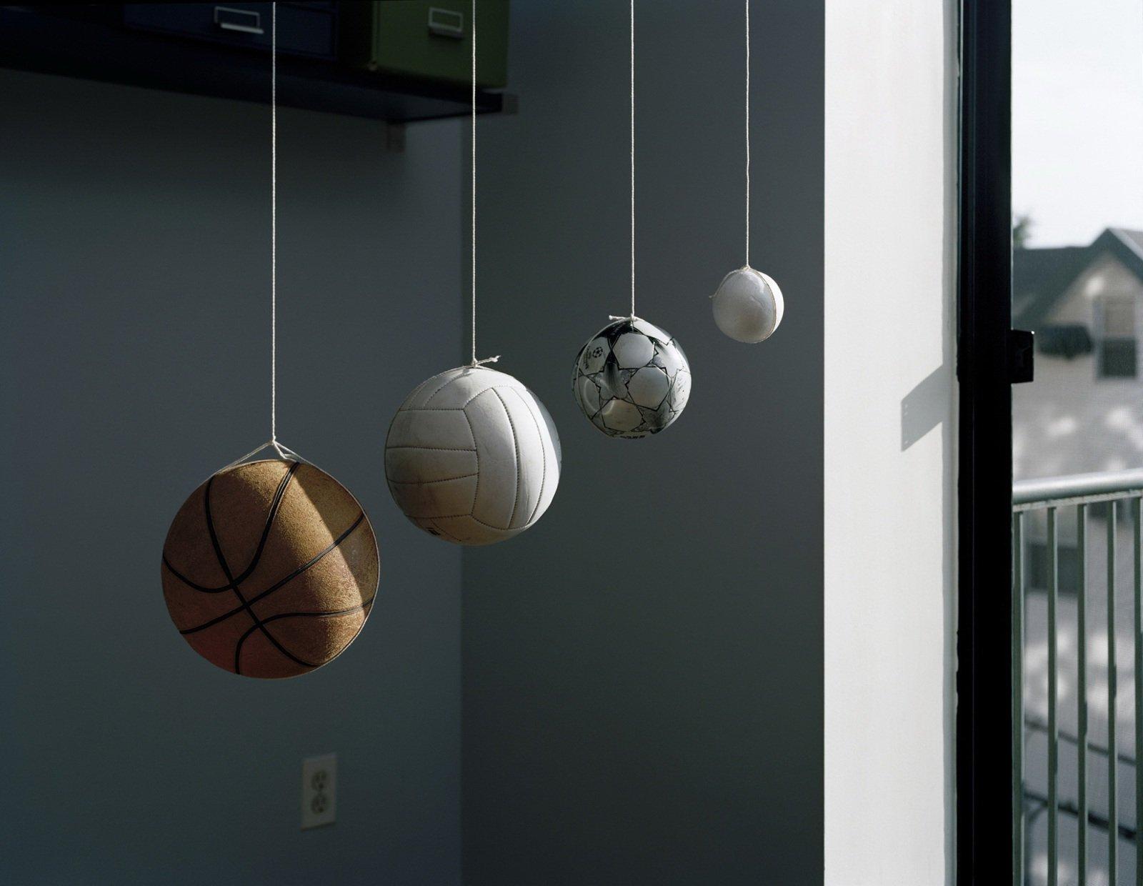 Гравитационные композиции из повседневных предметов
