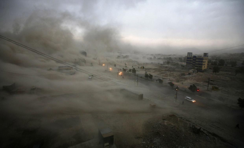 Странная красота песчаных бурь в фотографиях