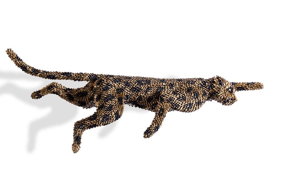 Поразительные скульптуры животных из гильз
