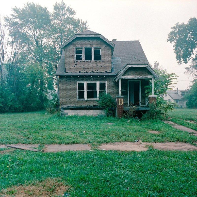 Фото-проект о заброшенных домах Детройта