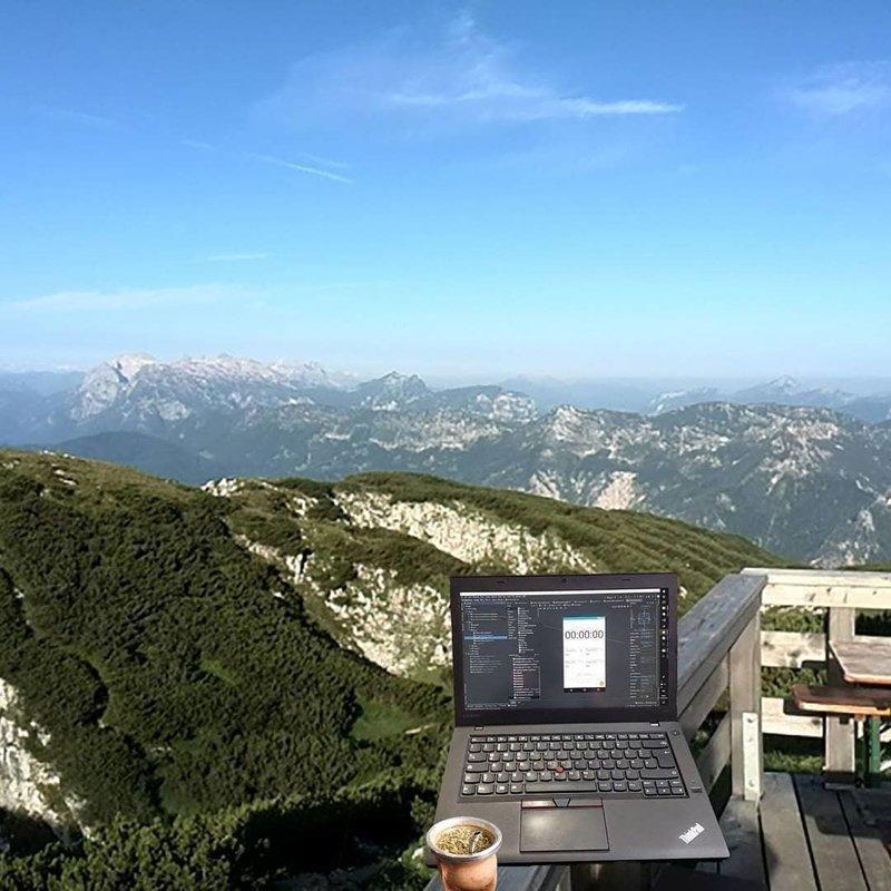 Рабочие места современных программистов