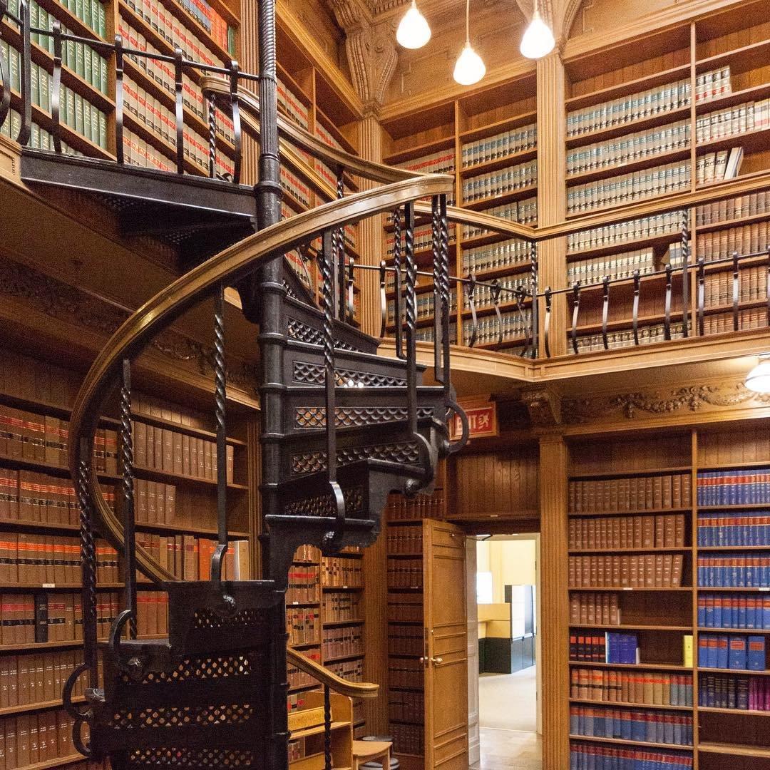 Великолепные и необычные библиотеки мира в Instagram