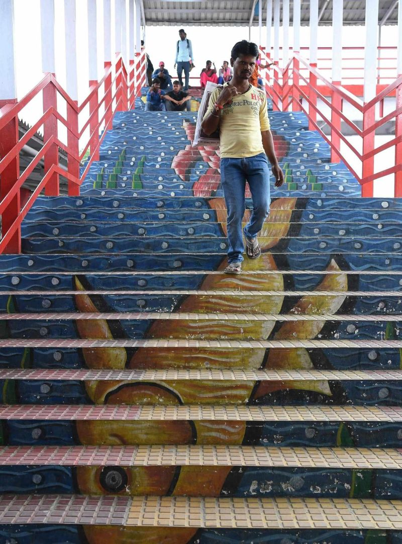 Художники преобразили вокзал в Индии