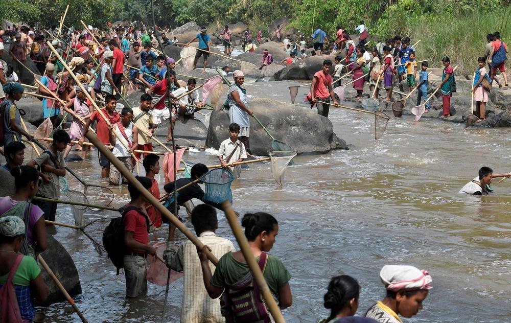 Традиционная ловля рыбы в индийской реке