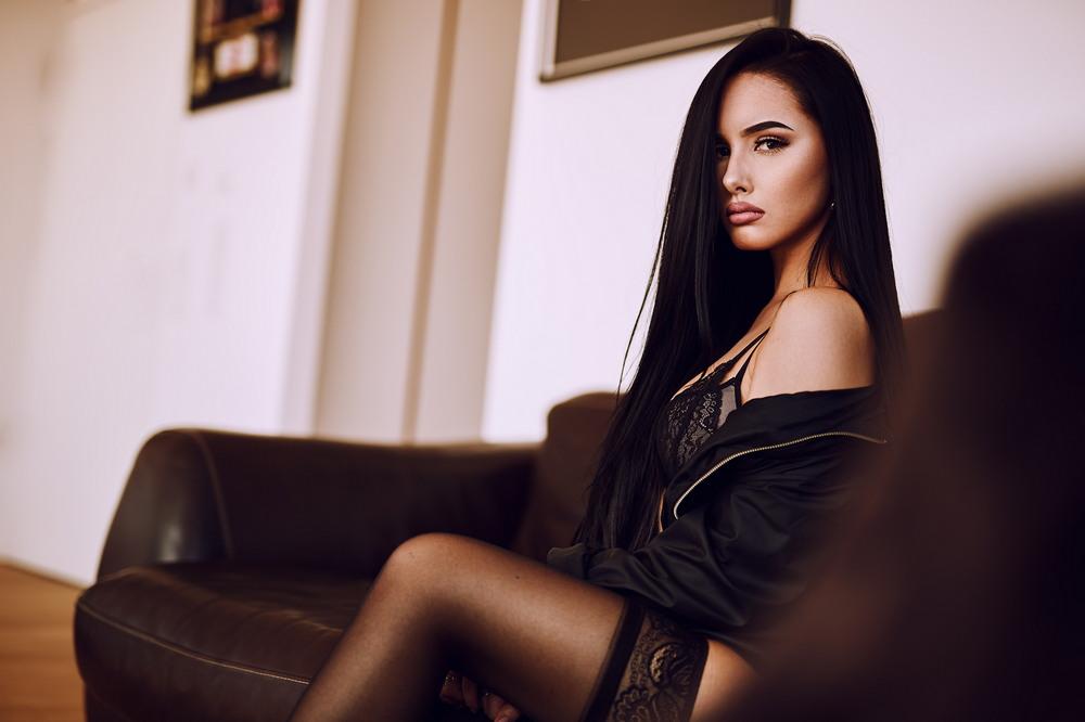 Красивые девушки на снимках Onur Alagoz
