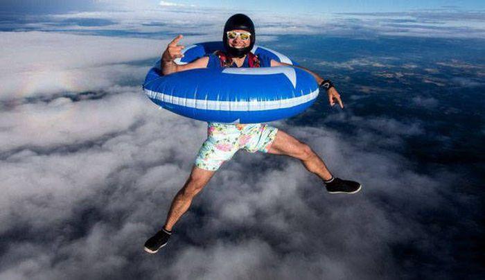 Забавные снимки с парашютистами